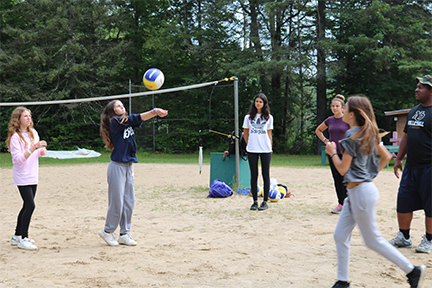 YCC_volleyball_badminton_02